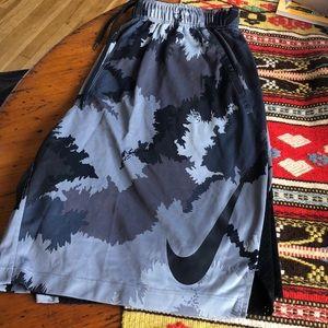 Nike Shorts - Nike Camo shorts